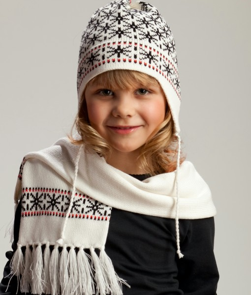 Kids-wool-hat-and-scarf-set-Tines-2