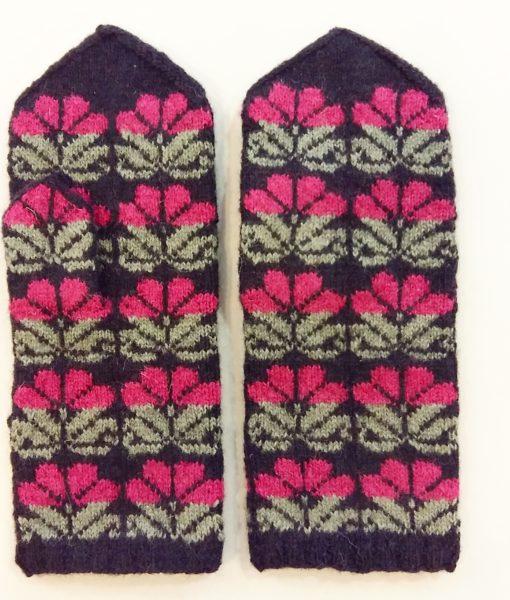 Flower-mittens-Tines (13)