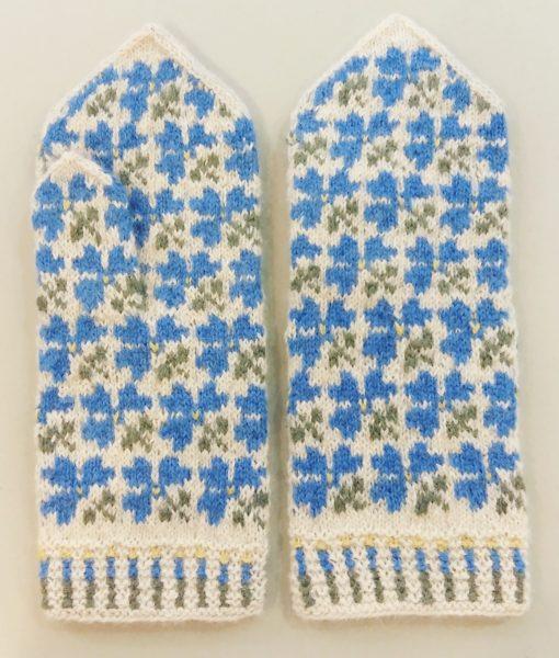 Flower-mittens-Tines (17)