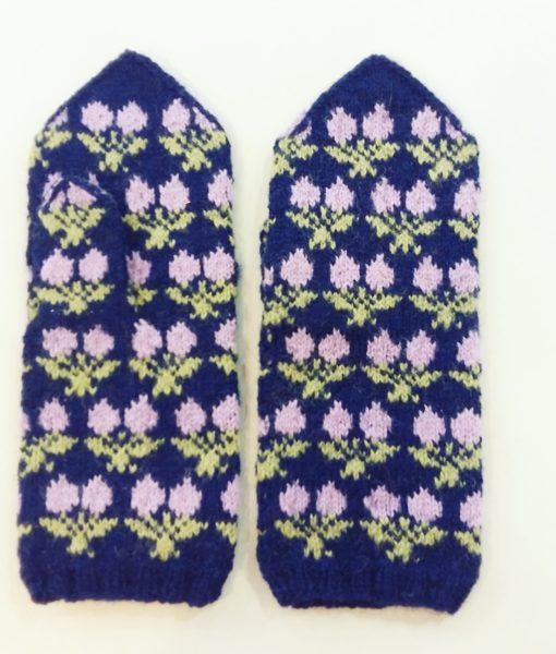 Flower-mittens-Tines (6)
