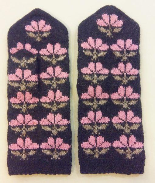 Flower-mittens-Tines (9)