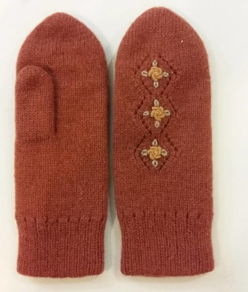 Double-felted-mitts-Tines (8)