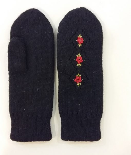 Double-felted-mitts-Tines (9)