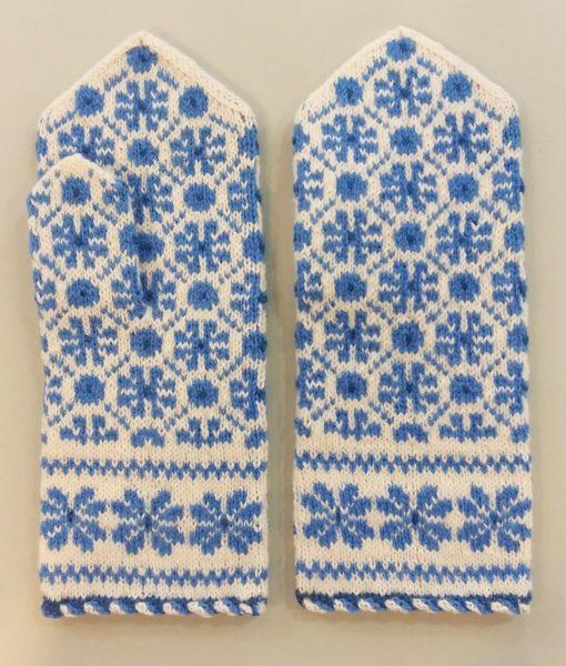 Flower-mittens-Tines (2)