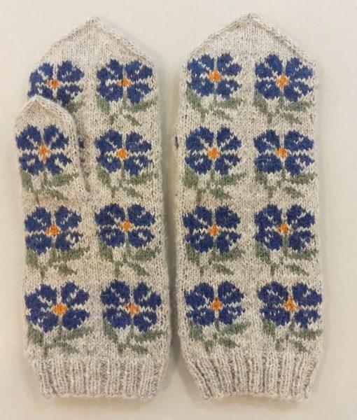 Flower-mittens-Tines (22)