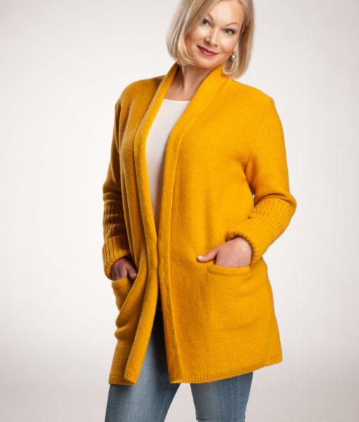 Lena-Tines-knitwear (3)