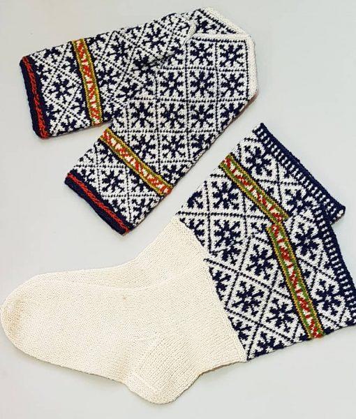 Tines-socks-mittens-set1 (1)